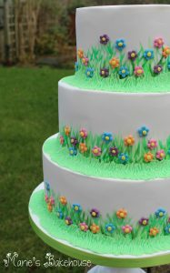 meadow flowers wedding cake
