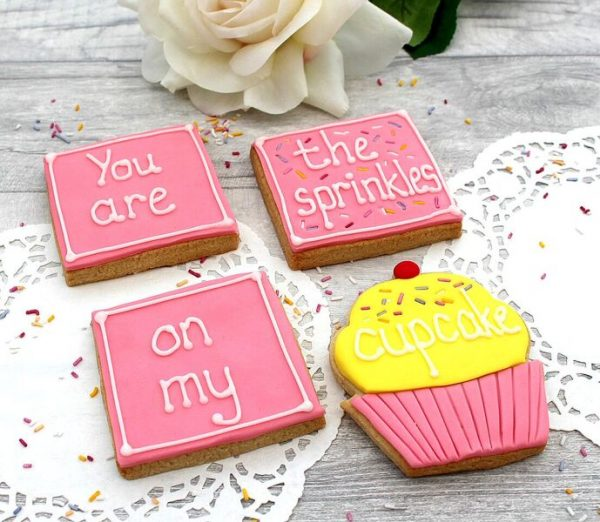Anniversary cupcake cookie gift set