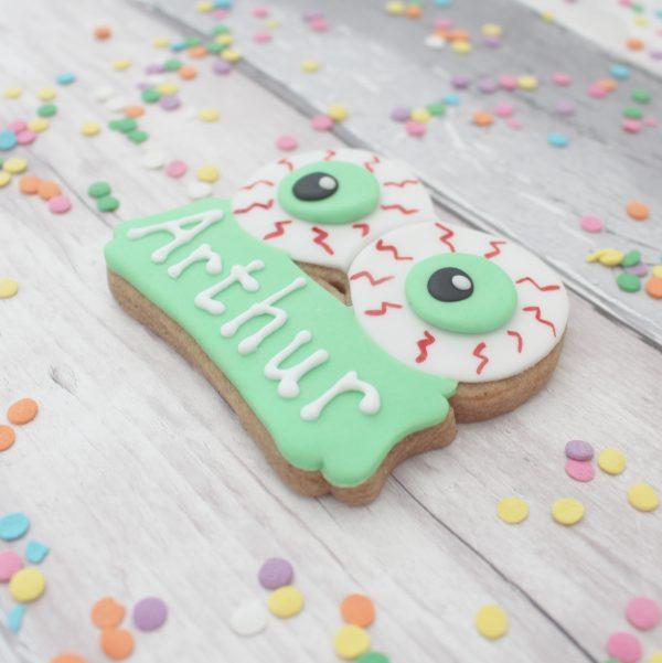 Halloween eyeball biscuits