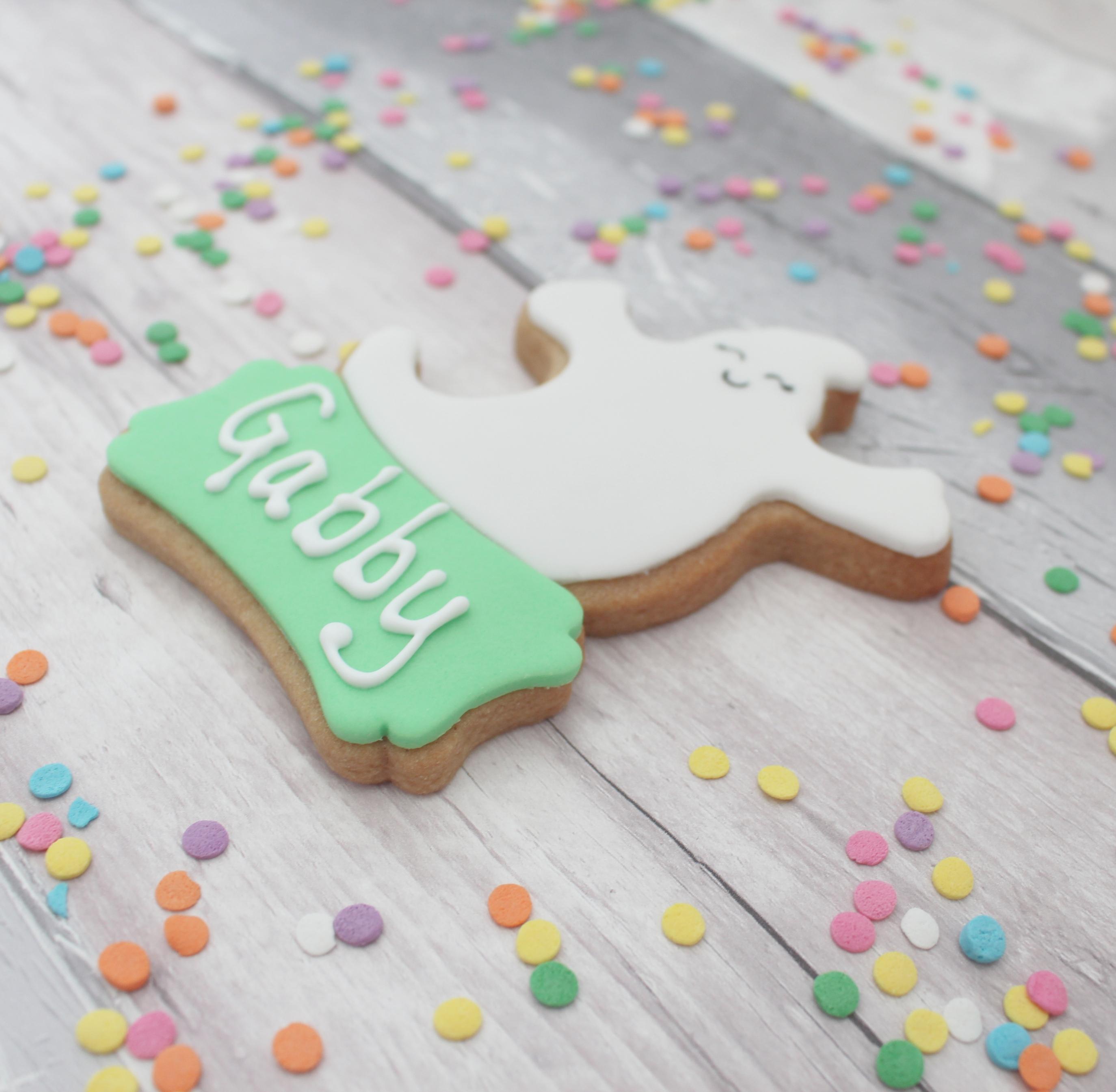 happy ghost halloween treat cookie
