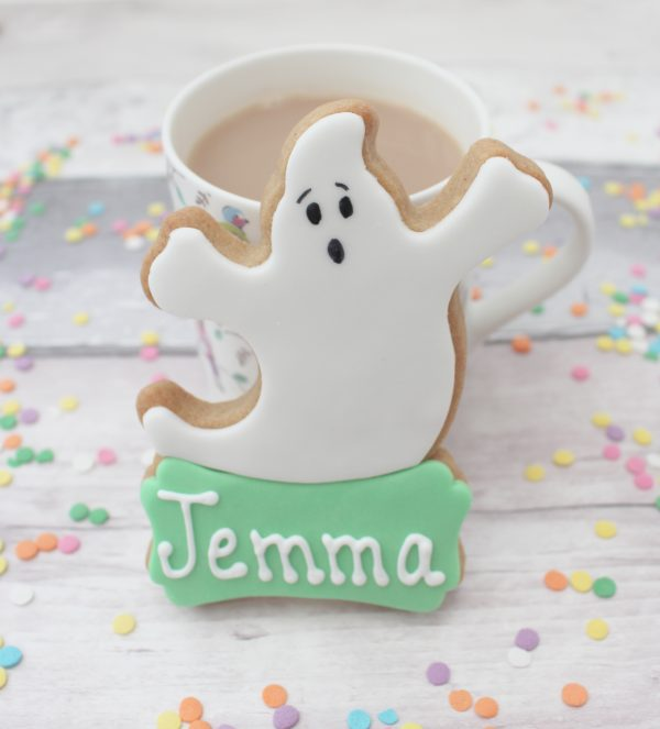 scary ghost halloween biscuits