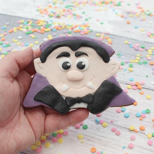 dracula halloween cookie